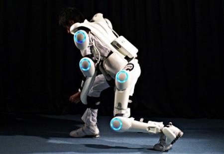 робот-экзоскелет