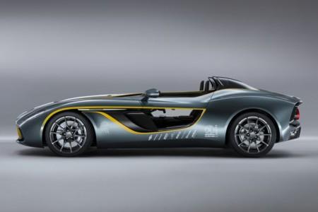спорткар Aston Martin CC100