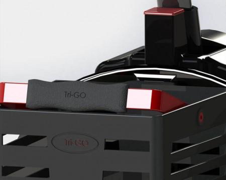 скутер с тремя колесами