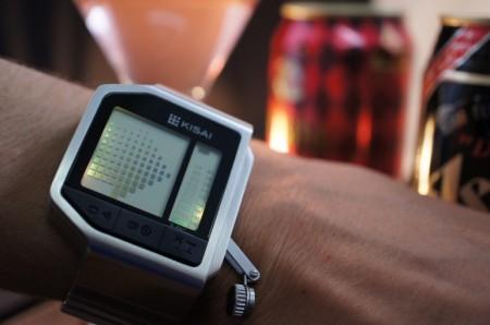 часы и алкотестер