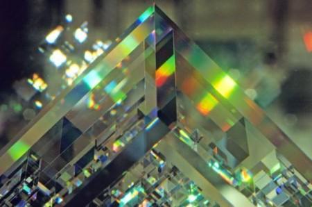 свет внутри кристалла