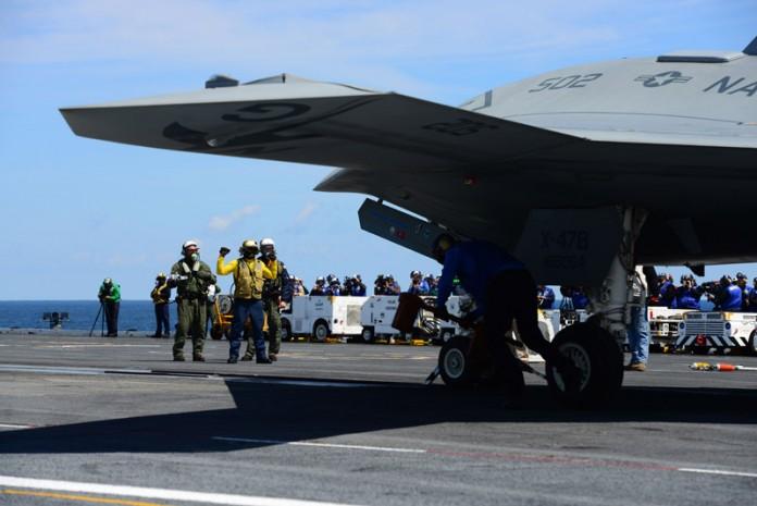 беспилотный самолет будущего X-47B