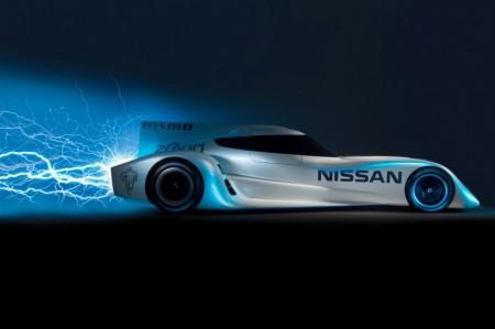 спорткар Nissan