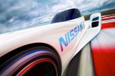 Nissan спорткар