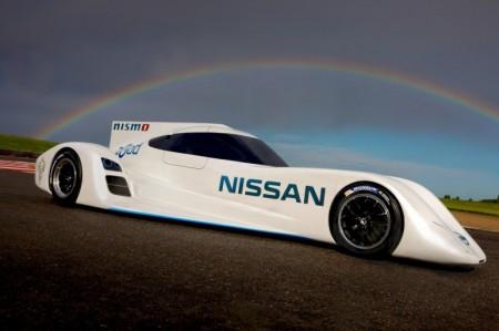 авто Nissan