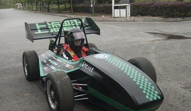 гоночный автомобиль на 3D-принтере