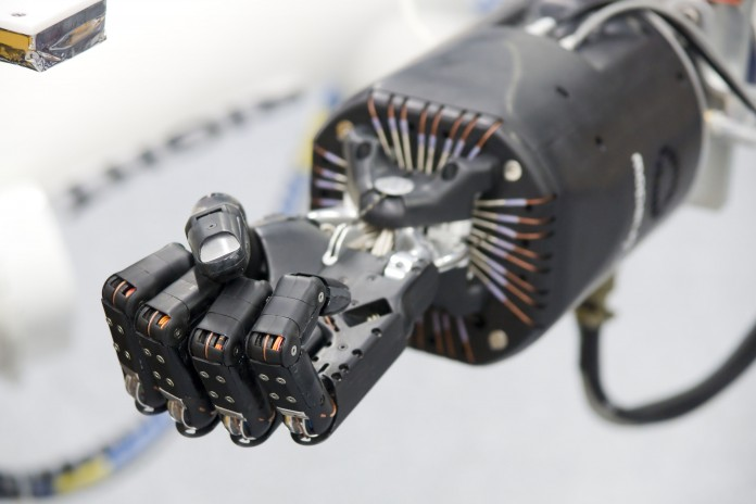 Роботизированая рука