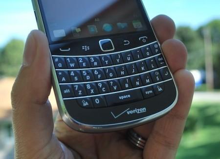 blackberry-bold-9930-keyboard