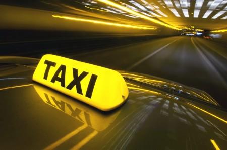 1372939723_novyy-zakon-o-taksi-prevratit-etu-uslugu-v-roskosh-video1