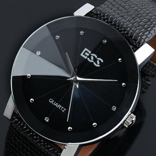 2. Кварцевые наручные часы работают на специальном кварцевом генераторе, который создаёт электрические колебания, что