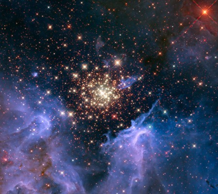 space-fireworks-hubble-telescope-ngc-3603(1)