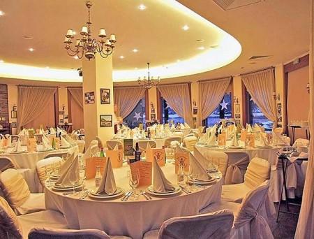 v-kakom-restorane-otmetit-svadbu