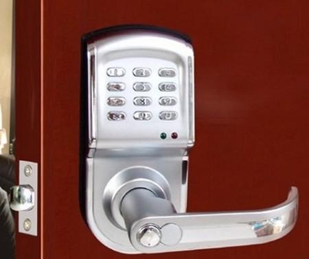 kodovii-zamok-na-dver