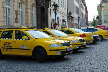 такси прага 4
