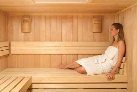 sauna-casual-interiorr-en-abeto-natural
