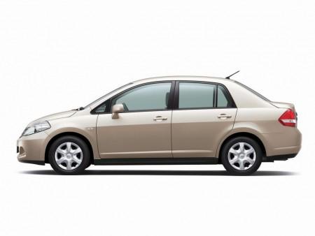 Nissan_Tiida Latio