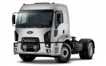 2012_ford_cargo_1932_front_view
