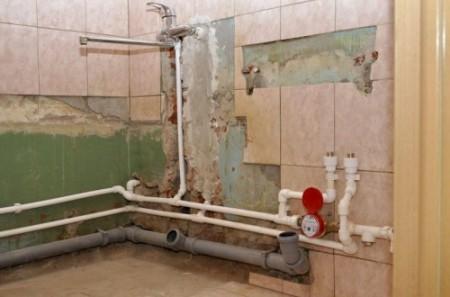 kak-zamenit-kanalizatsiyu-v-vannoy