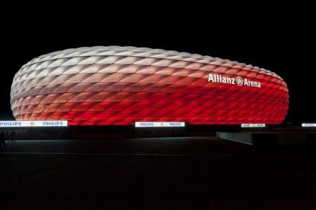 bayern-munich-allianz-arena-philips-led-facade-2