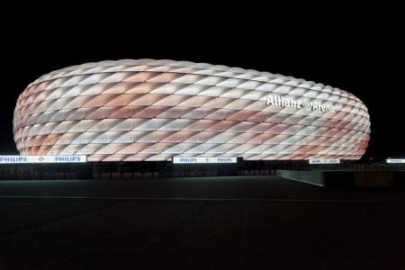 bayern-munich-allianz-arena-philips-led-facade-3