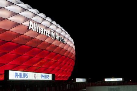 bayern-munich-allianz-arena-philips-led-facade-4