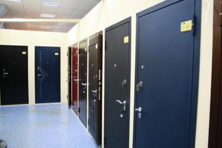 1366562023_kak-vybrat-metallicheskie-dveri1