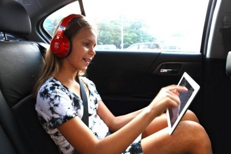 aegis-headphones-3