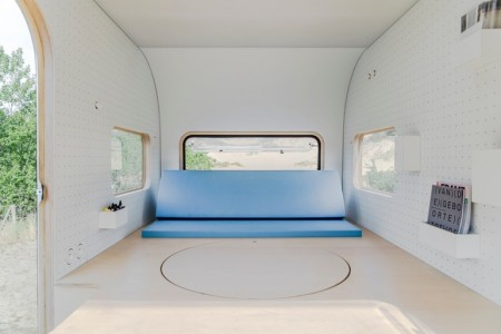 dojowheels-mobile-office-caravan-8