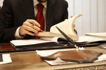 sliedi-za-soboi-bud-ostorozhien-advokat-o-dielie-propavshiegho-bizniesmiena