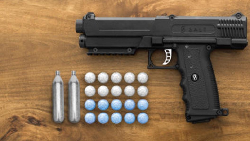 Соляной пистолет разработан для обеспечения нелетальной защиты