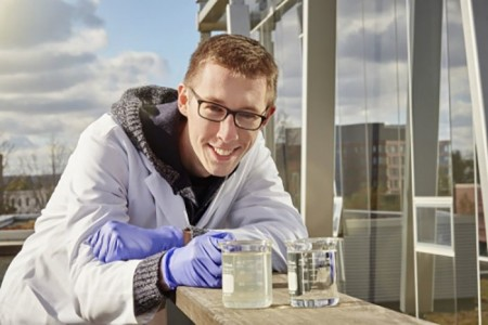 Разработан дешевый способ очистки воды солнечным светом