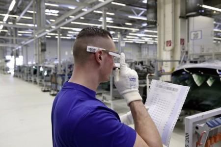 Работники Volkswagen теперь работают с Google Glass
