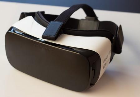 Samsung занялся серийным производством очков виртуальной реальности