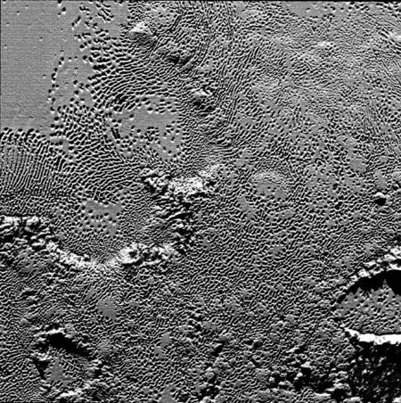 """Получены более детальные снимки """"сердца"""" Плутона"""