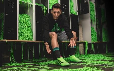 Adidas поставил на поток кроссовки с 3D печати