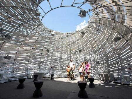 Построен орбитальный павильон демонстрирующий посетителям траекторию космических аппаратов