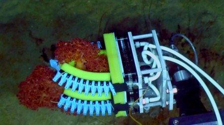 underwater-exploration-soft-robotic-hands-3