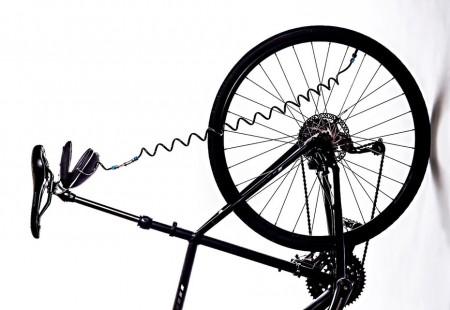 Появился насос работающий внутри велосипеда