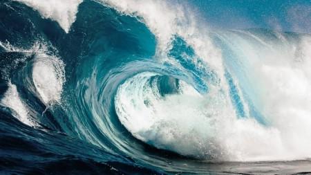 Ученые создали систему оповещения о волнах-убийцах