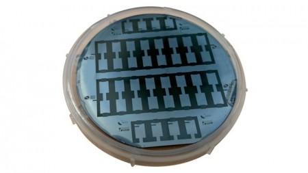 Ученые возвращают конденсаторы в электронику