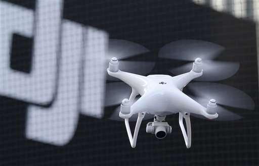 Дрон DJI Phantom 4 называют самой умной летающей камерой