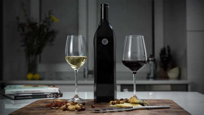 kuvee-smart-wine-bottle-1