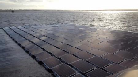 В Европе установят крупнейшую плавучую фотоэлектростанцию
