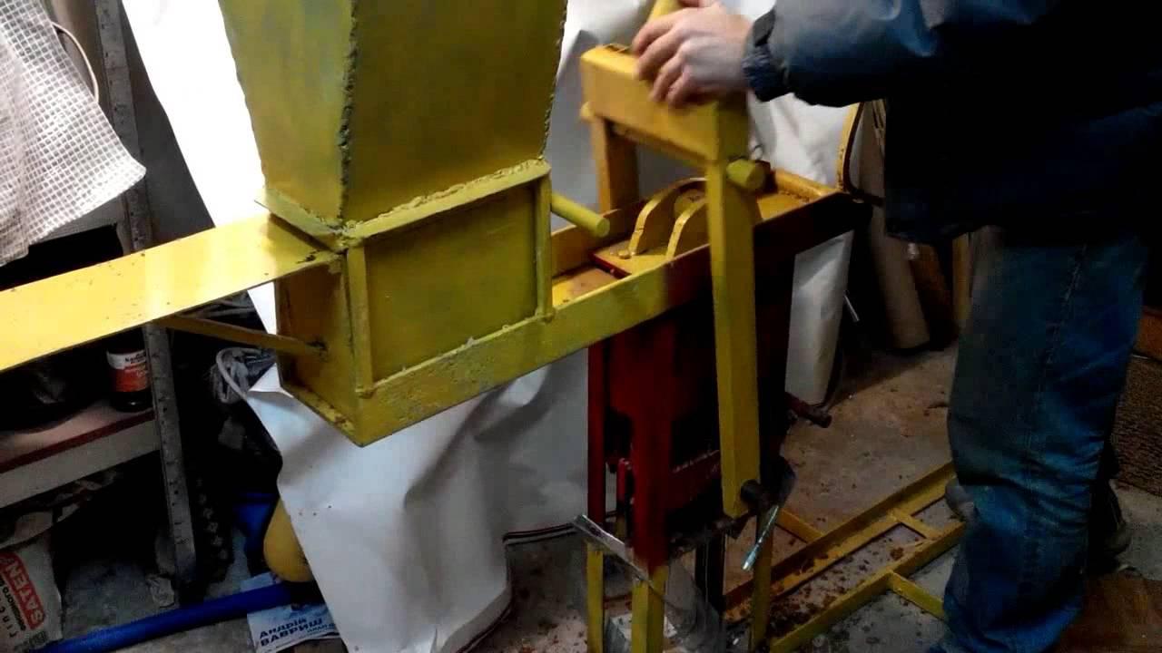 Пресс для изготовления брикетов из опилок