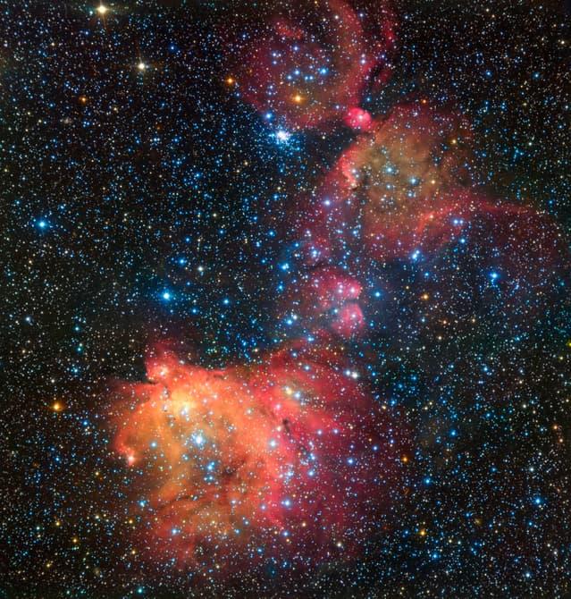 ESA опубликовало видео с туманностью LHA 120-N55
