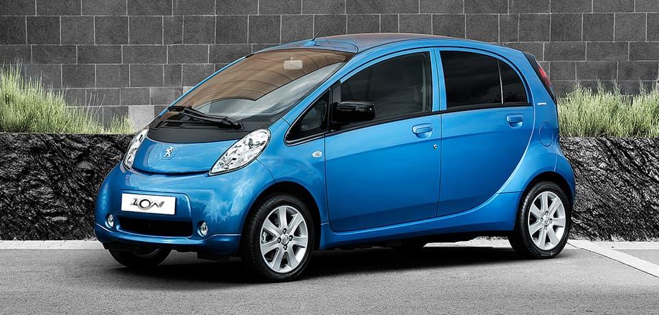 Peugeot представила зарядную станцию будущего
