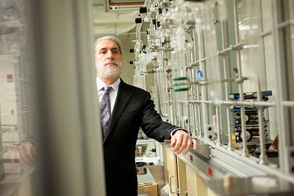 """На рынок может выйти """"бионический лист 2.0"""" создающий топливо"""