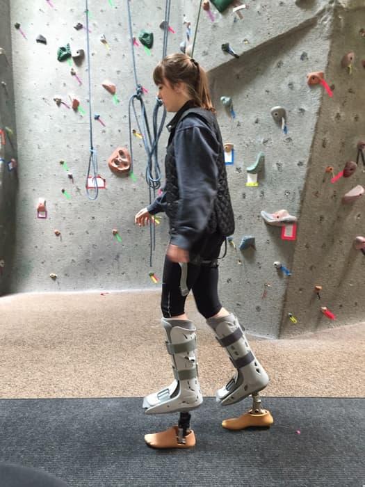 Придуман и разработан протез в котором можно ходить на каблуках