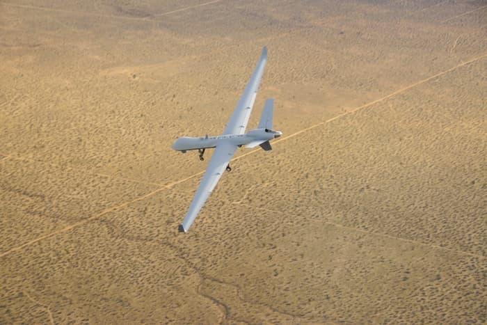 Прошел тесты беспилотник способный летать двое суток без подзарядки