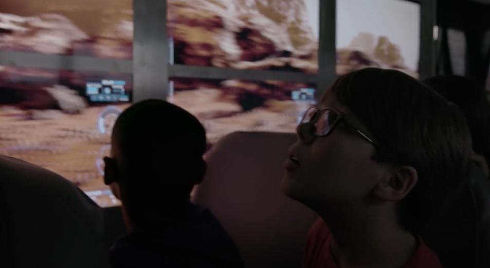 Американские дети по дороге в школу слетают на Марс